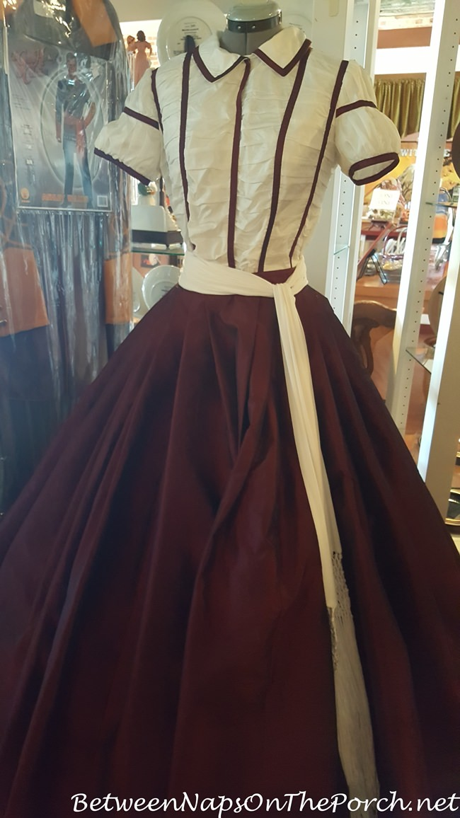 gone-with-the-wind-museum-dress-from-movie