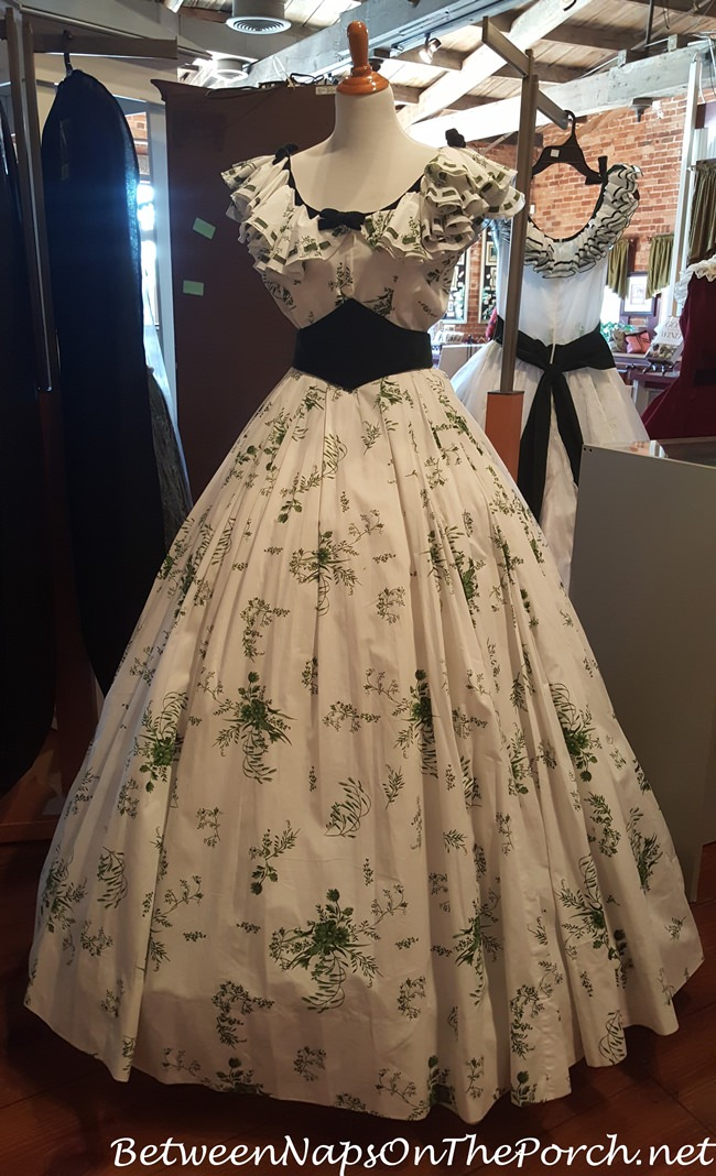 Gone With The Wind Museum: The Beautiful Dresses, Furniture ...