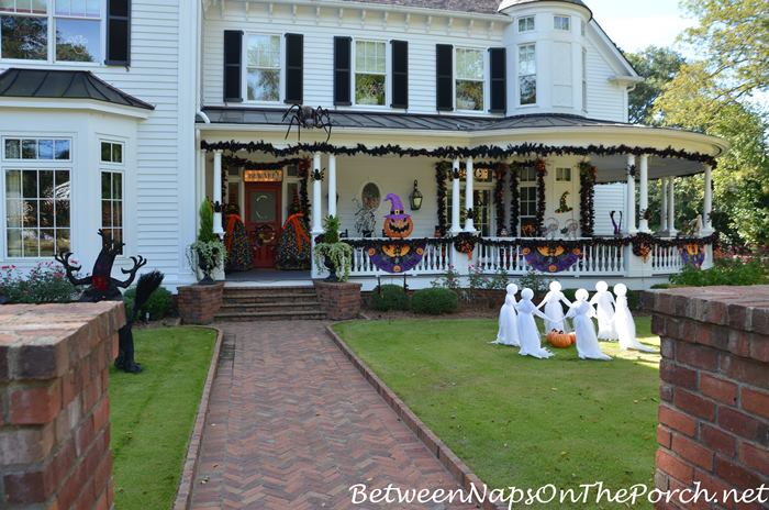halloween-decor-and-whimsy-for-victorian-home