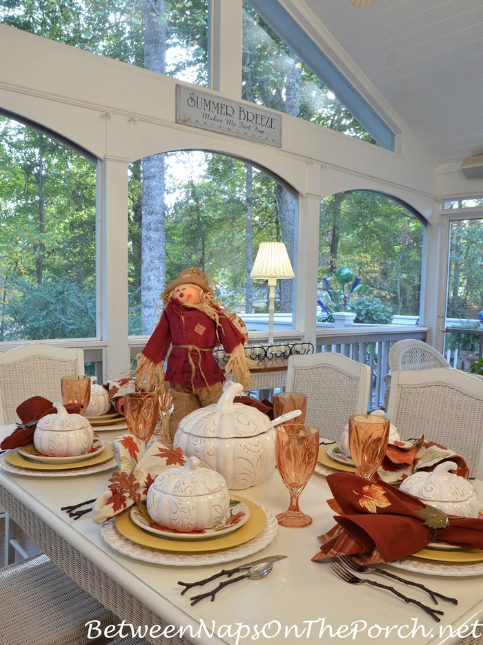 halloween-dining-on-screened-in-porch