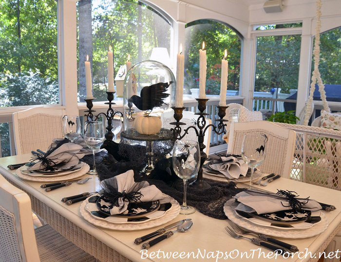halloween-table-setting-with-crow-centerpiece