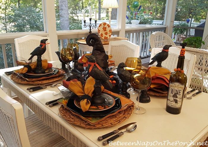 halloween-table-for-entertaining