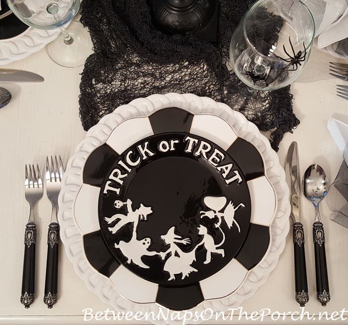 kate-williams-trick-or-treat-plates