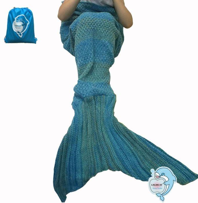 mermaid-blanket-in-blue-and-green