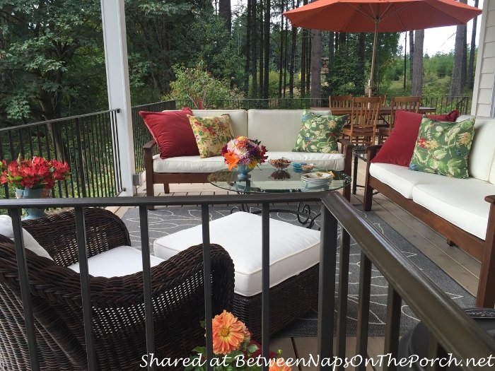 outdoor-deck-and-porch-furniture-for-outdoor-entertaining_wm