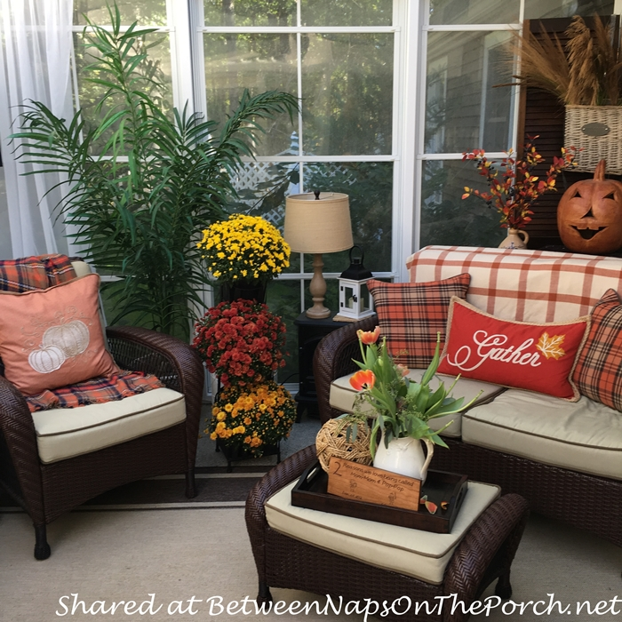 porch-decorations-for-autumn-fall