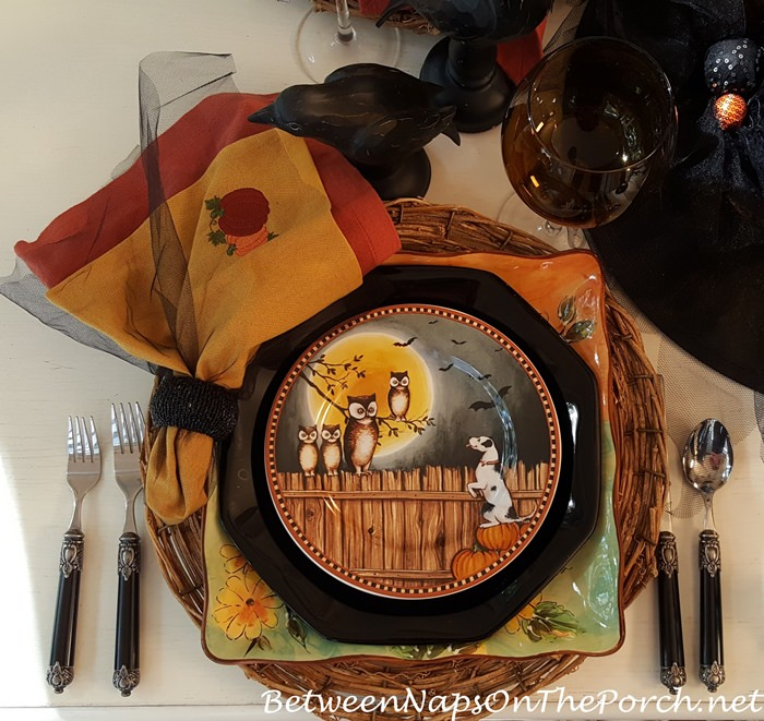 pumpkin-hollow-plate-with-dog-owls-bats-david-carter-brown