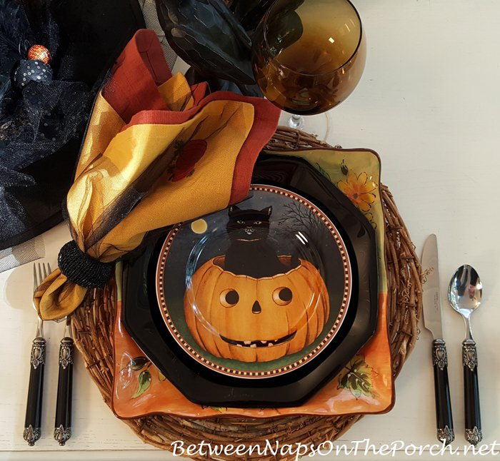 pumpkin-hollow-pumpkin-plate-david-carter-brown
