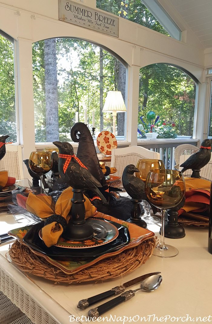 whimsical-halloween-table-for-entertaining