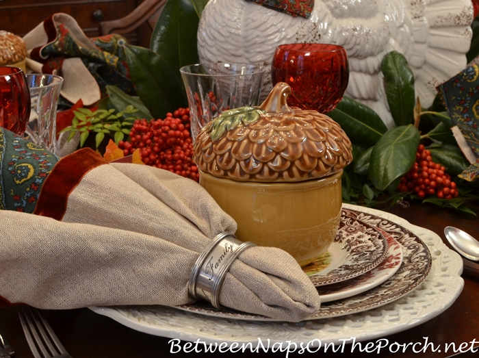 acorn-soup-tureens-for-thanksgiving
