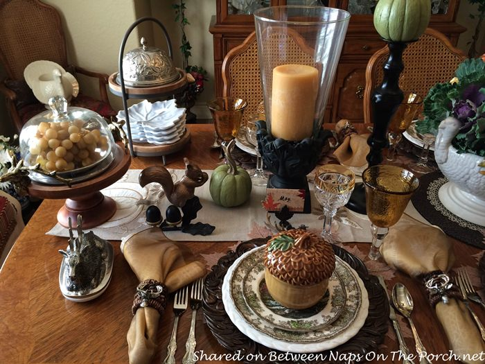 fall-table-with-woodland-theme