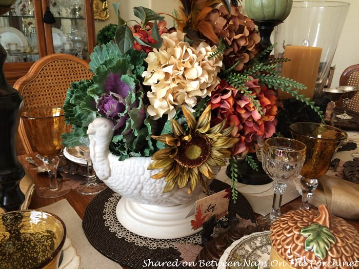 floral-arrangement-in-turkey-bowl