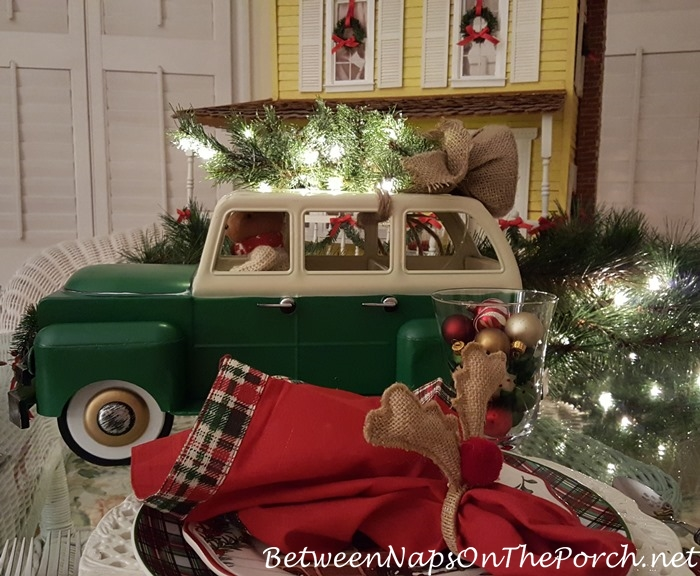 Bringing Home the Christmas Tree, Woody Car with Tree