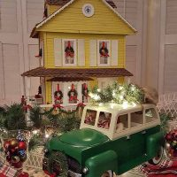 Christmas Doll House & Truck with Christmas Tree