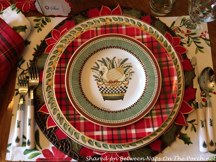This Oneida pattern is Twelve Days of Christmas and was designed by Debbie Mumm. Such a beautiful pattern and such a nice friend! The plaid dinner plates ... & Debbie Mumm\u0027s Twelve Days of Christmas \u0026 New Year\u0027s Champagne Punch ...