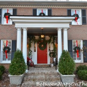 Decorate Outside Windows With Wreaths