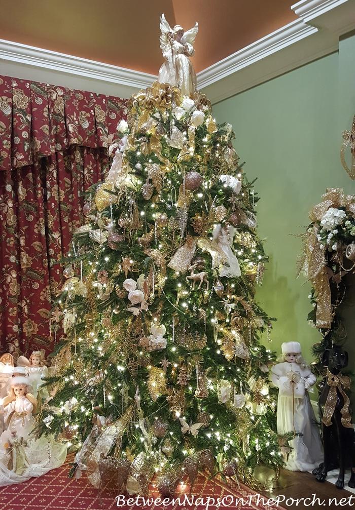 How Santa Prepares For The Big Night Christmas Eve