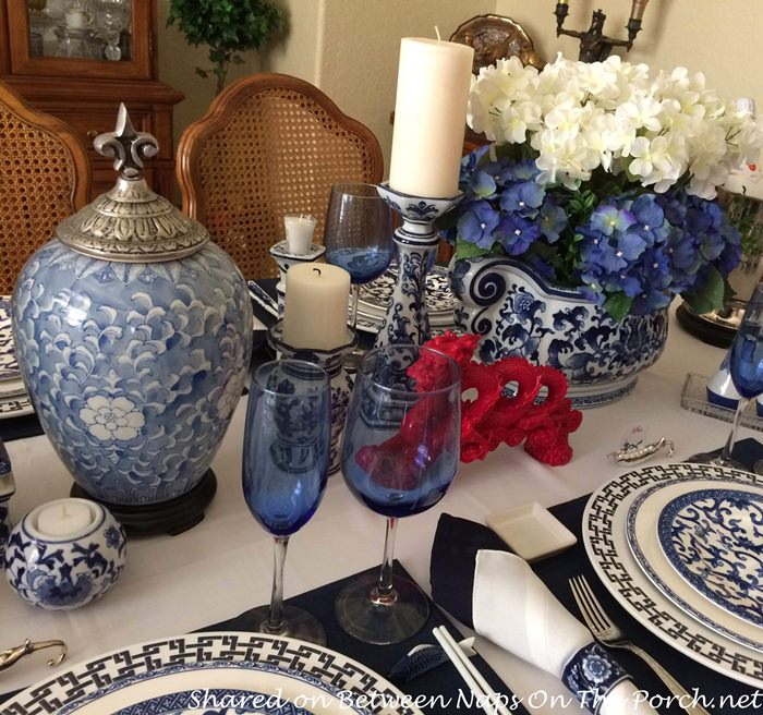 & Blue and White Table Setting for New Yearu0027s Eve