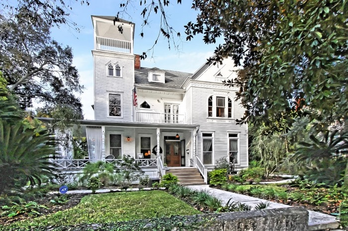 a house as charming as the victorian home in the movie