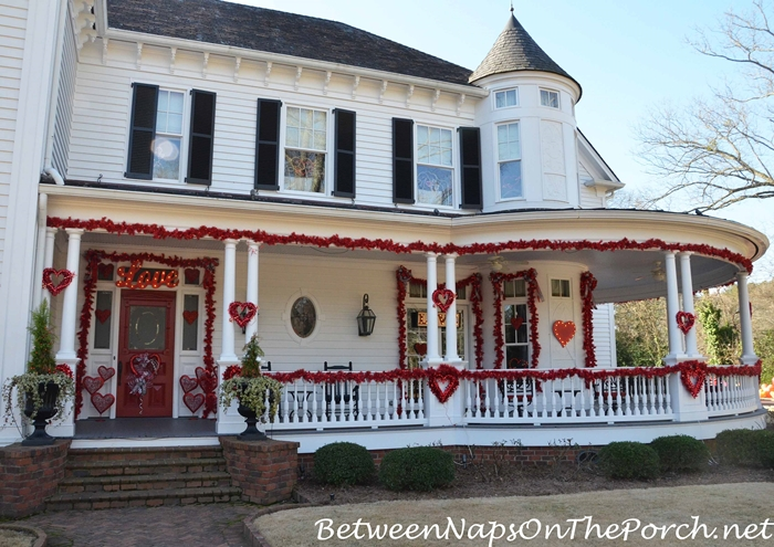 Valentine S Day Decorations Decorate The Porch Front Door
