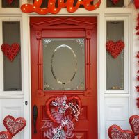 Valentine's Day Decorations: Decorate the Porch, Front Door and a Valentine's Day Tree