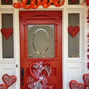 Valentine's Day Front Door Decorations_wm