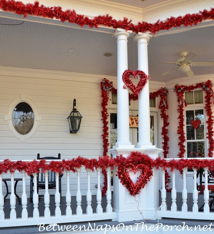 Valentine S Day Decorations Decorate The Porch Front