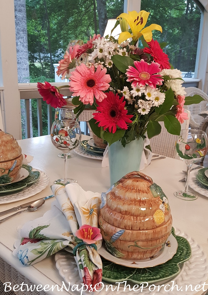 Cabbage Dinner Plate, Bee Skep Tureens, Floral Centerpiece