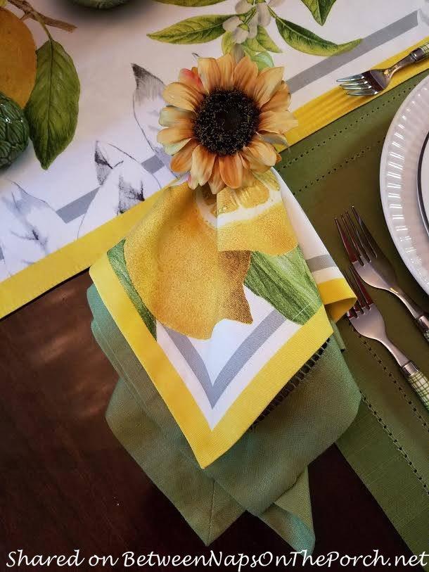 Meyer Lemon Napkins, Sunflower Napkin Rings