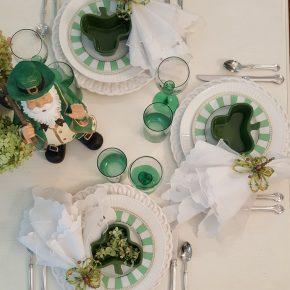 Noritake Carnivale Salad Dessert Plates in Green & White Tablescape