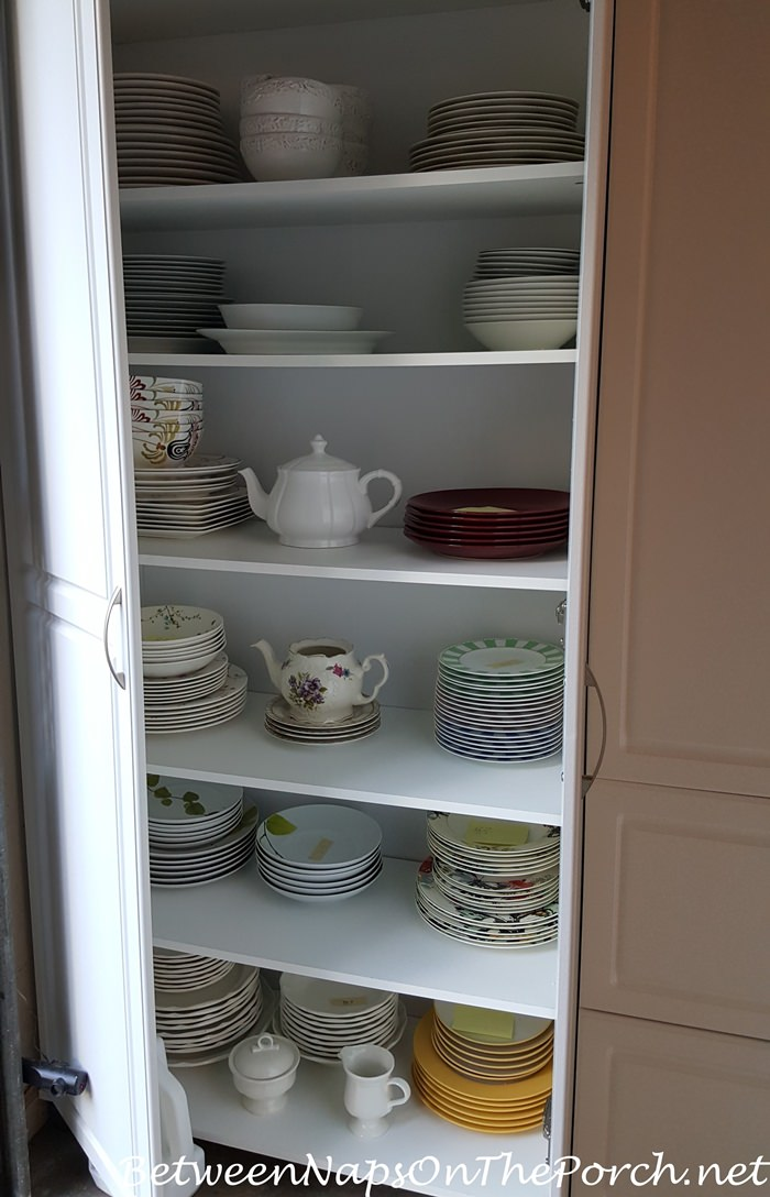 Storage Cabinet for Dishware and China