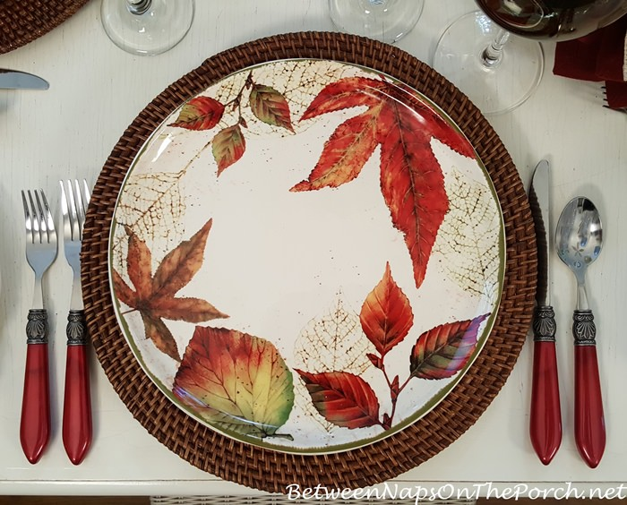 Leaf Plates for Fall-Autumn Dining