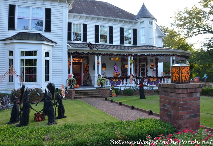 Decorate the Lawn and Porch for Halloween