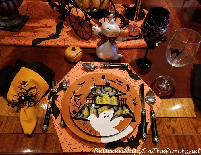 Halloween Plates, Haunted House and Ghost
