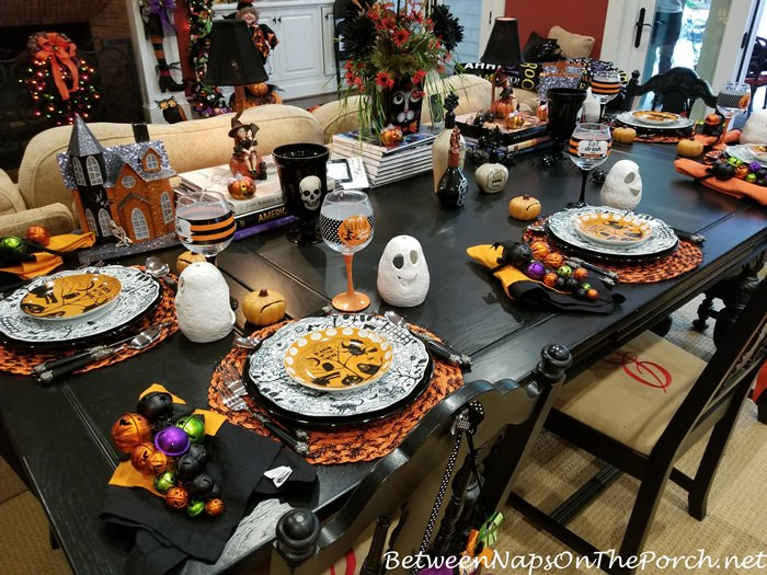 Halloween Table and Decor