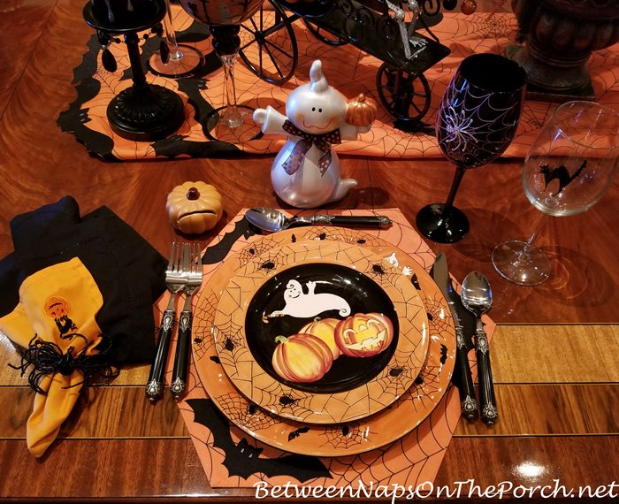 Spider Plates with Ghost and Pumpkins for Halloween