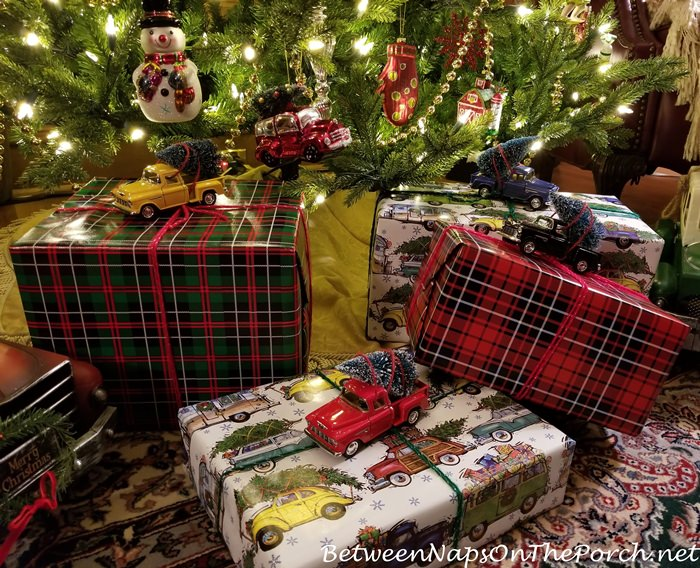 Gift Wrapping Ideas, Tartan and Christmas Vacation Wrapping Paper