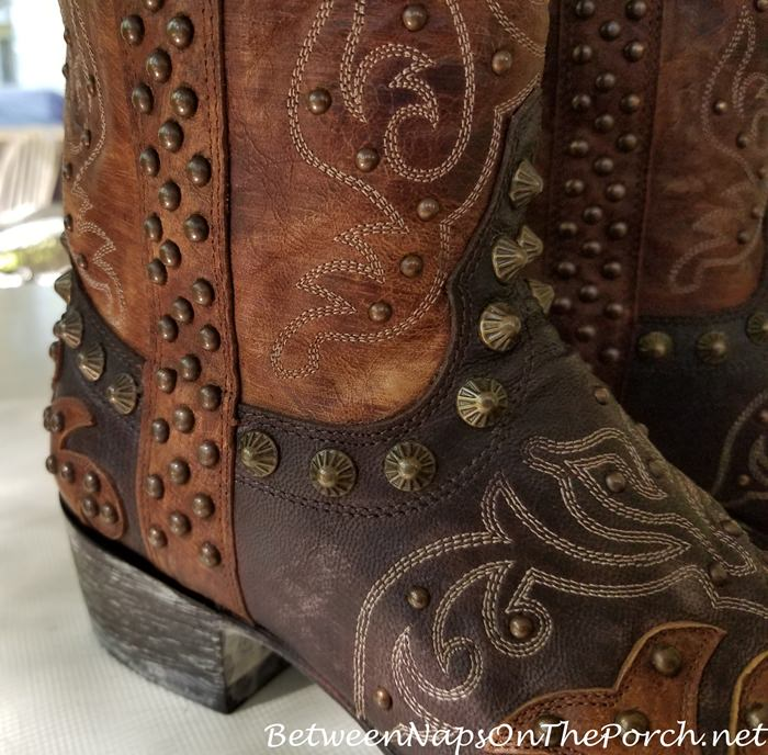 Old Gringo Raelene Boot with Stud caught underneath leather