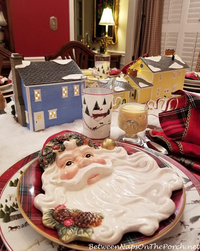 Santa Plates for a Christmas Tablescape