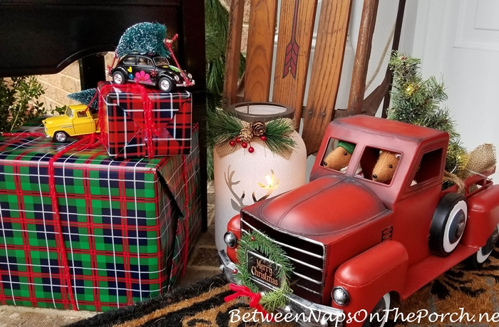 Christmas Decorations for a Porch