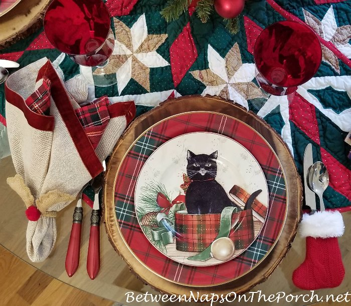David Carter Brown Christmas Dinnerware, Christmas Kitties
