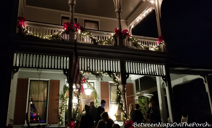 Christmas table setting bringing home the christmas tree for Table decor international marietta ga