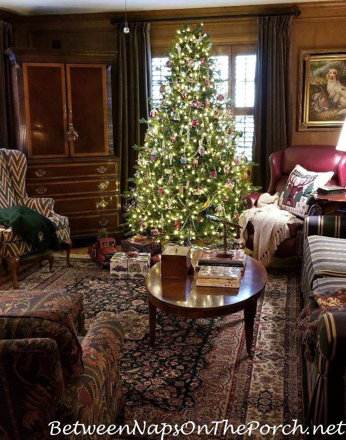 Living Room, Judges Paneling, Christmas Tree