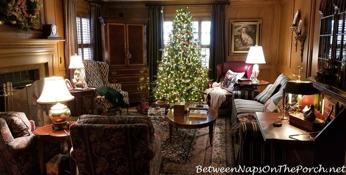 Paneled Living Room, Christmas Tree