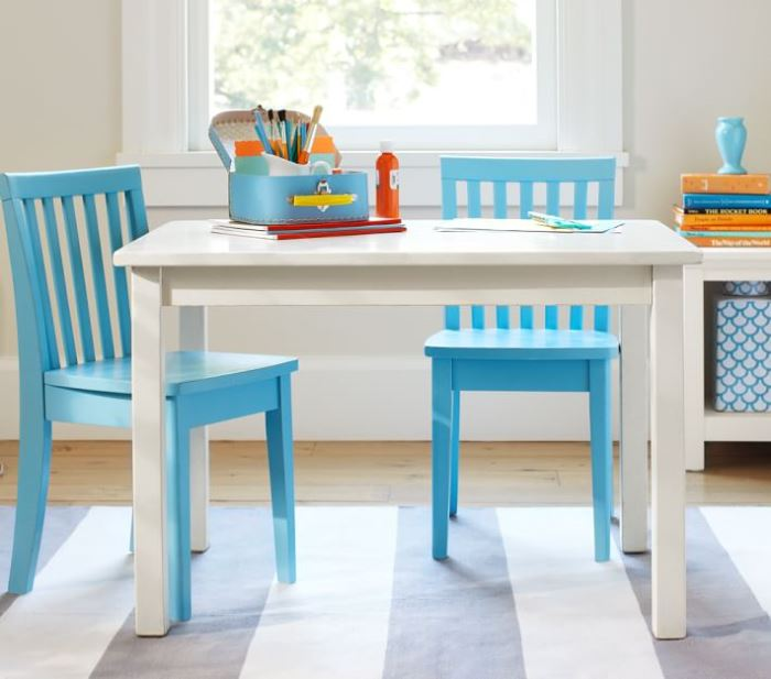 Carolina Table & Chairs