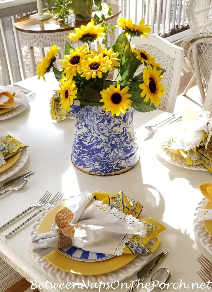 7 Easy Centerpiece Ideas For A Mother S Day Or Spring Table Setting