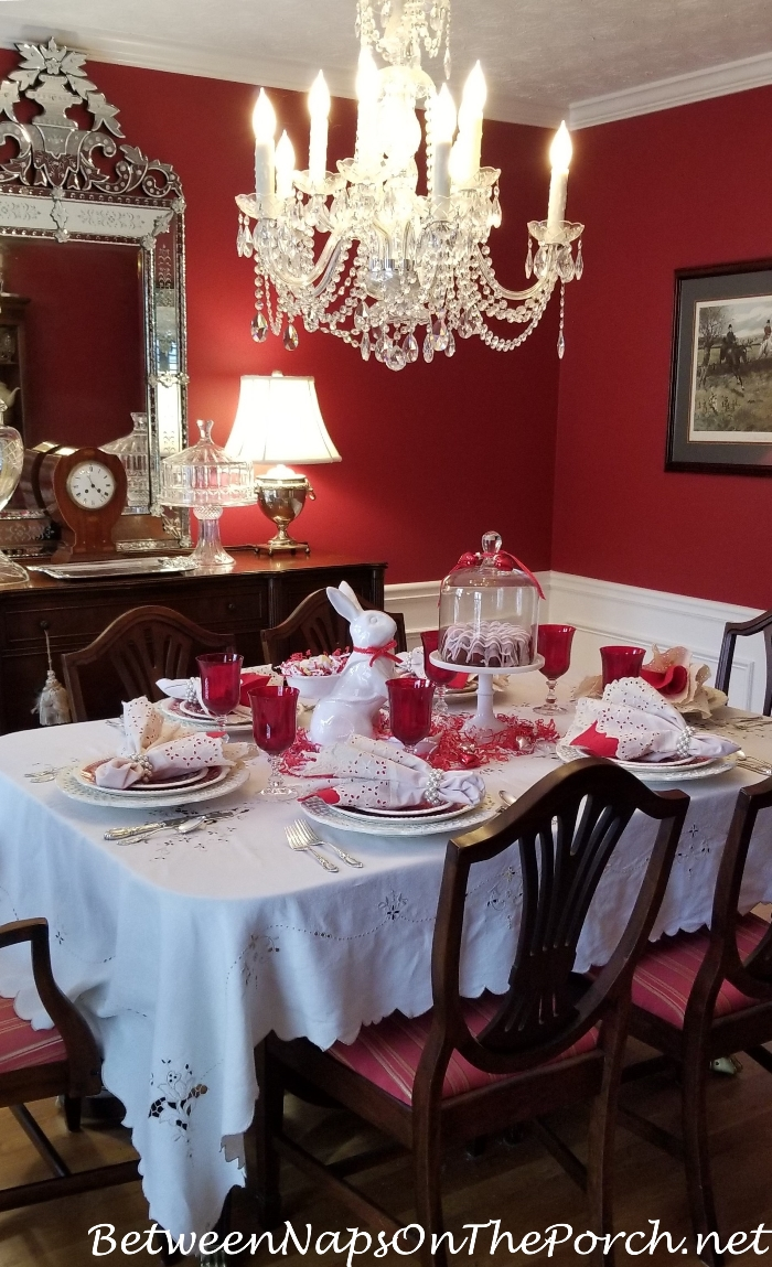 Red Dininig Room, Valentine's Day Tablescape
