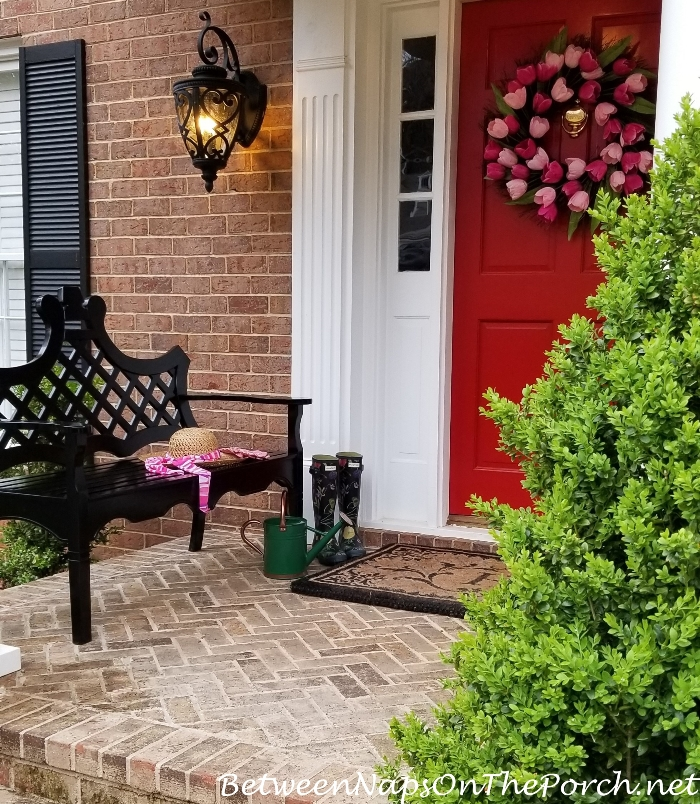 Decorate Your Porch for Spring, Spring Tulip Wreath