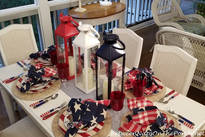 Celebrate 4th of July with Festive Tablescape