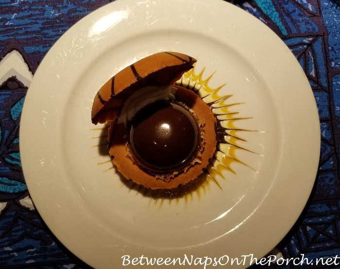Mama's Fish House, Polynesian Black Pearl, Chocolate Mousse, Pastry Seashell